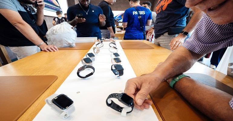 Apple Watch Series 4 Vs Fitbit