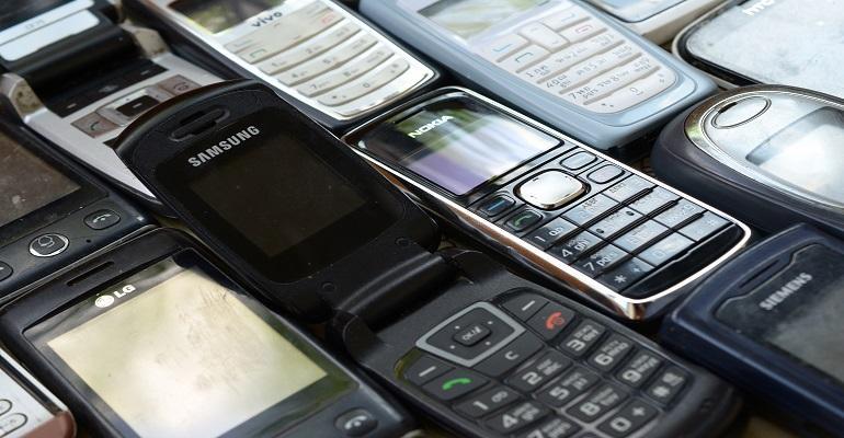 long lasting phones under 2000